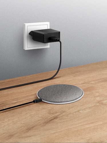 Uniq_Beacon+_Wireless_Charging_Pad_w_QC_3.0_Charger_-_Grey_8886463669730_3_SDP391MSSDS8.jpg