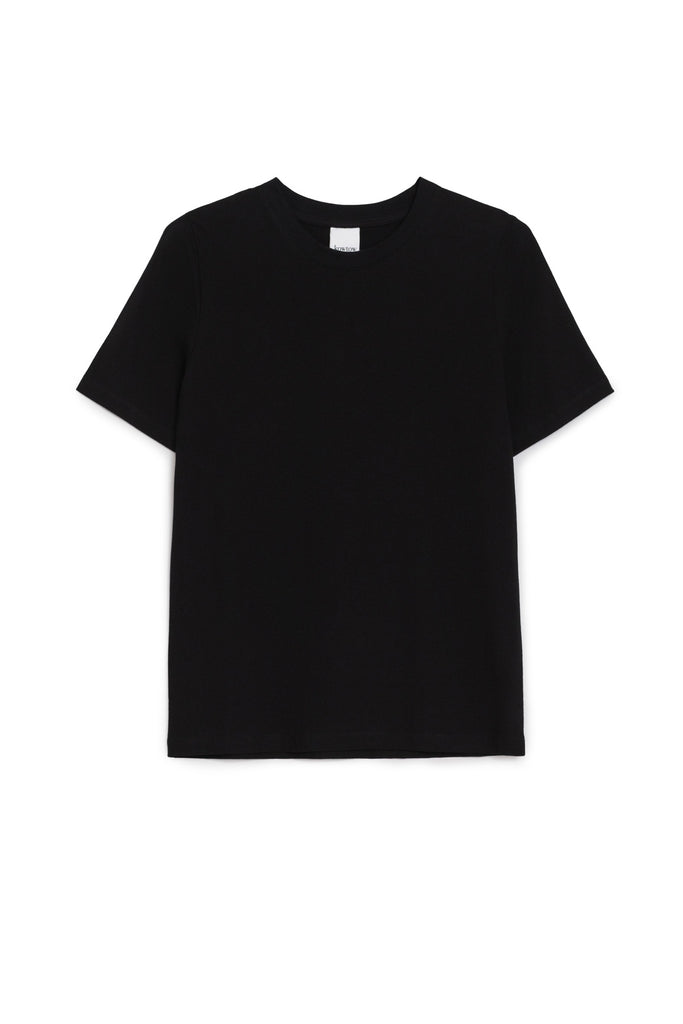 Kowtow Classic Tee is made from 100% organic mid-weight cotton jersey and has a  ribbed crew neck and short sleeves. Perfect and classic everyday tee.  100% Organic fair trade cotton Cold machine wash