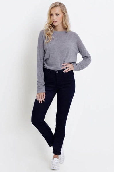 ELK Oslo Jean have been handmade with comfort in mind. Slim fitting with the perfect amount of stretch(but not skin tight) these jeans are the perfect hue of blue that will work with your day to day wardrobe.  65% Cotton 26% Polyester 7% Viscose 2% Elastane Cold machine wash inside out Designed to fade