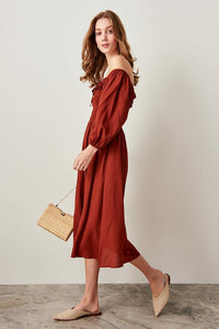 Collar Detail Cinnamon Dress