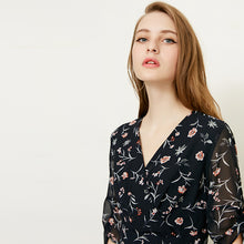 Load image into Gallery viewer, Chiffon Floral Print V-Collar
