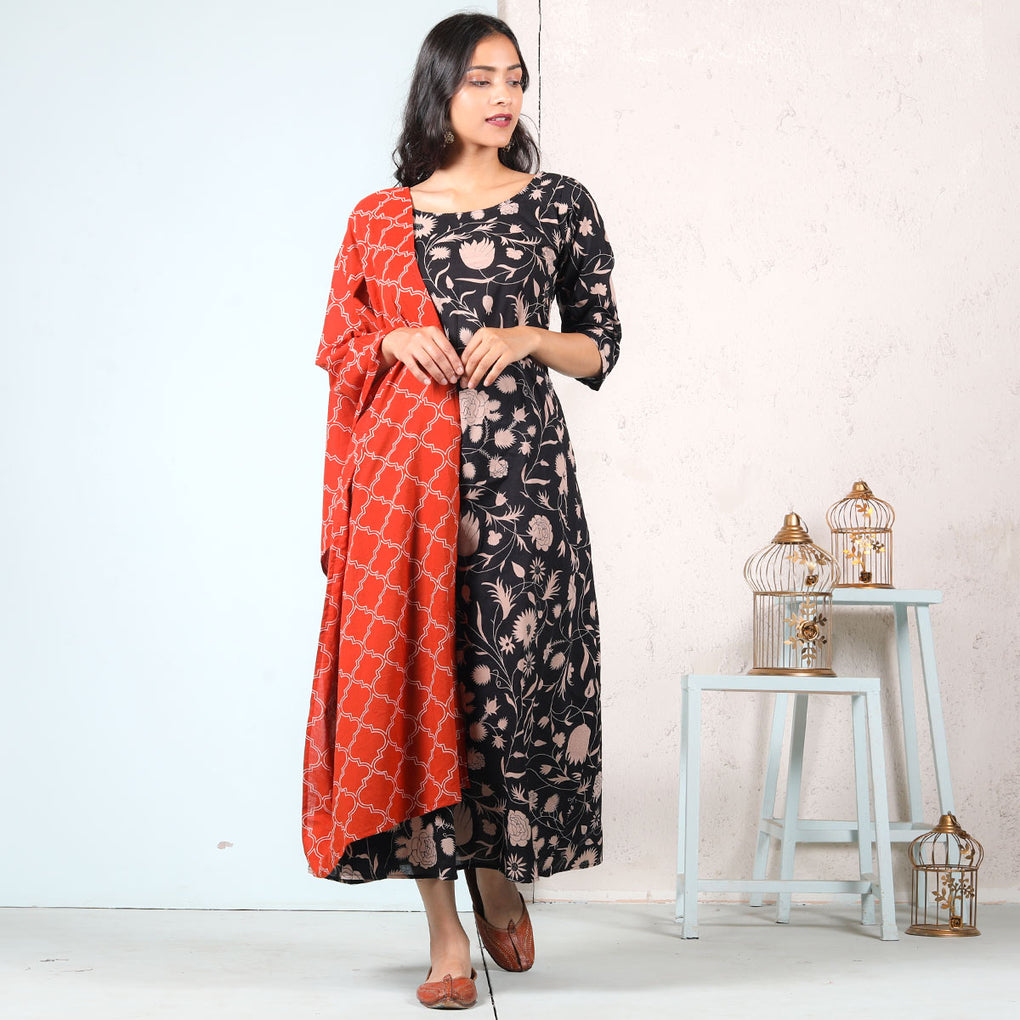 Black Jaal A-Line Cotton Kurti Dress with Rust Jaal Odhna