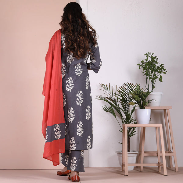 Grey Buta Printed Salwar Kurta Set with Pocket Details & Peach Odhna