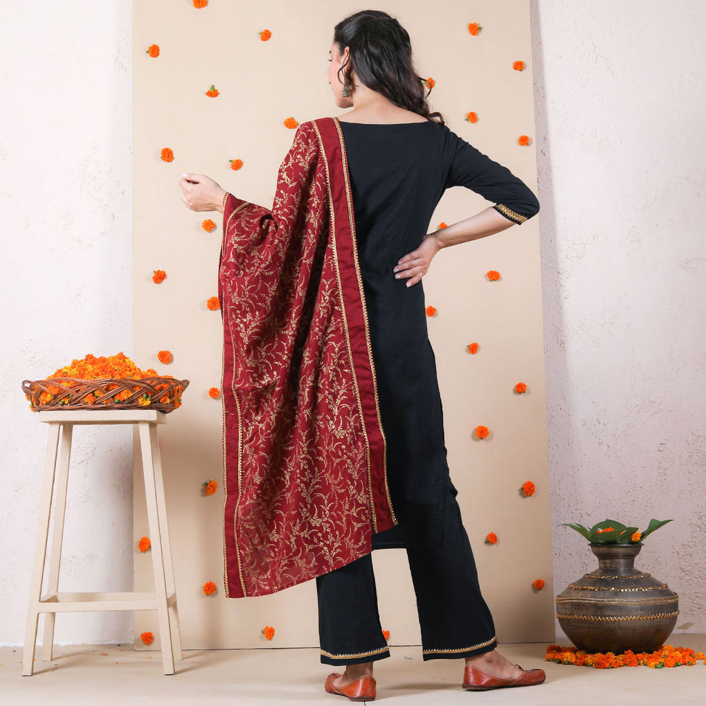 Black Festive Kurta Set with Maroon Dupatta & Gota Work