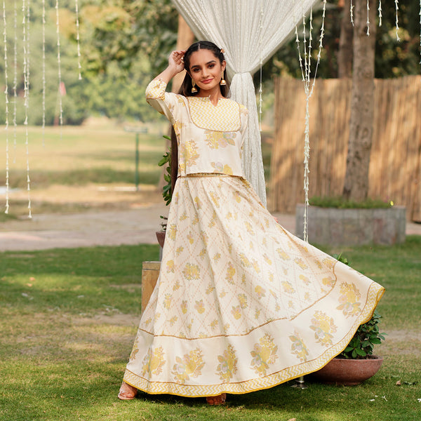 Ruhaniyat Off White Lehenga Set