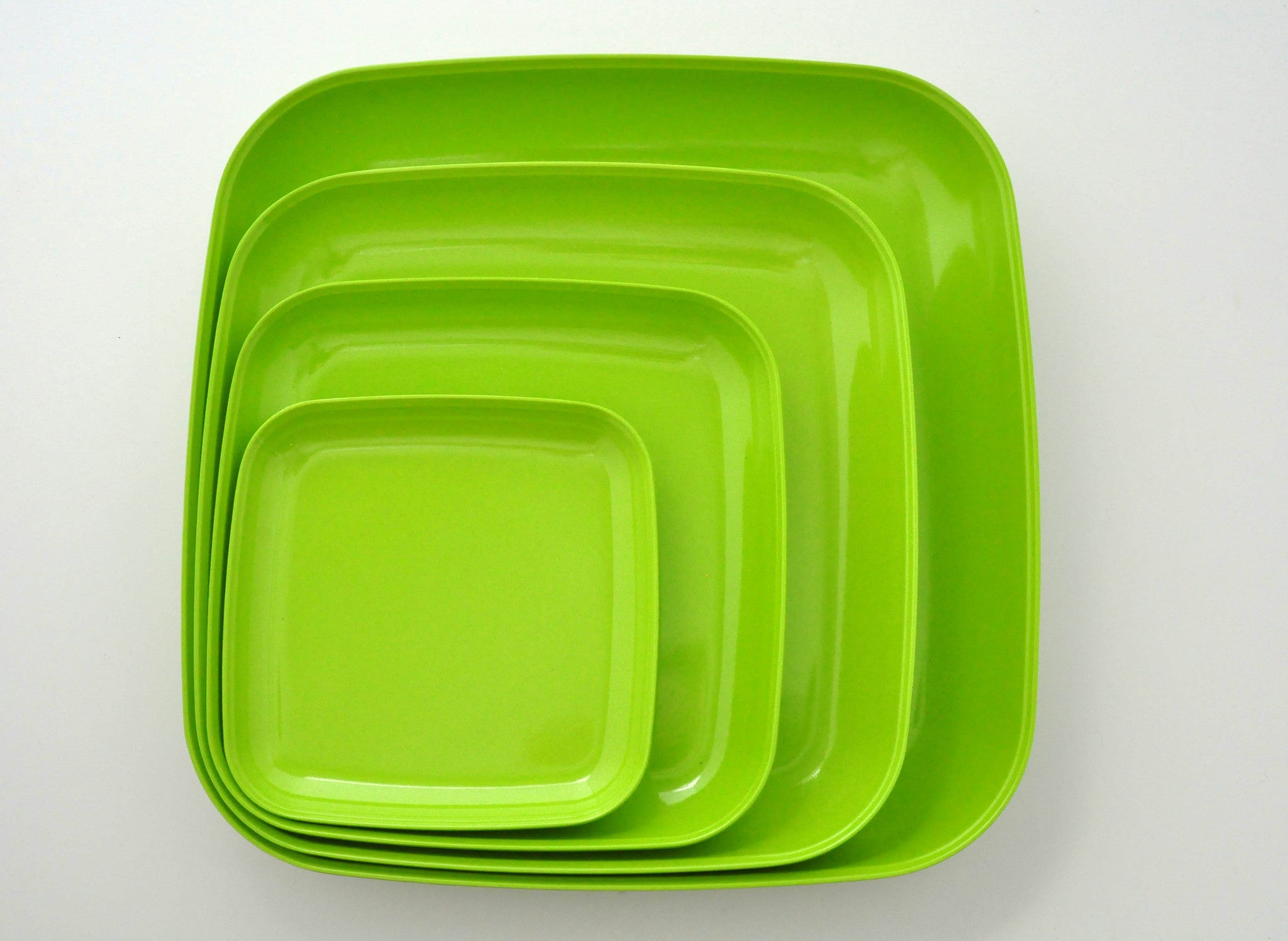 Yumi Nature+ Green Square Plates (Set of 4) & Yumi Nature+ Green Square Plates (Set of 4) - PaperlessKitchen.com