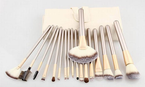 18 Piece Make Up Brush Set in Champagne Gold