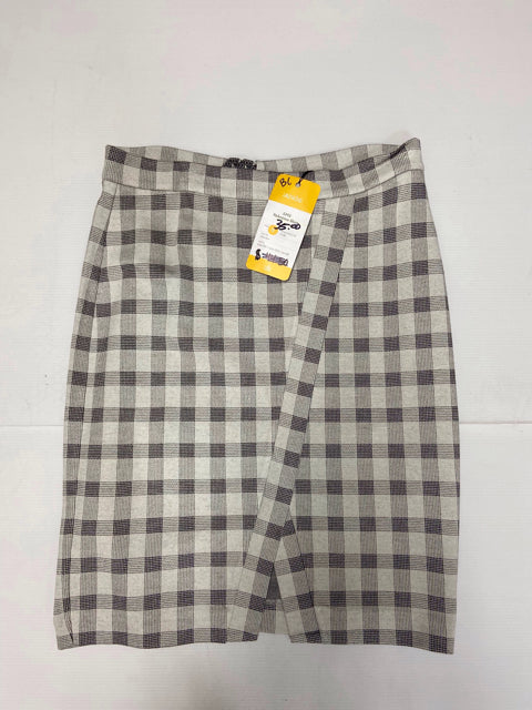 CABI NWT!! 5303 VALENTINA ADIOS SKIRT SIZE 8 - wearhouseconsignment