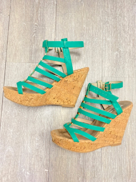 STEVE MADDEN GREEN CORK WEDGE 8