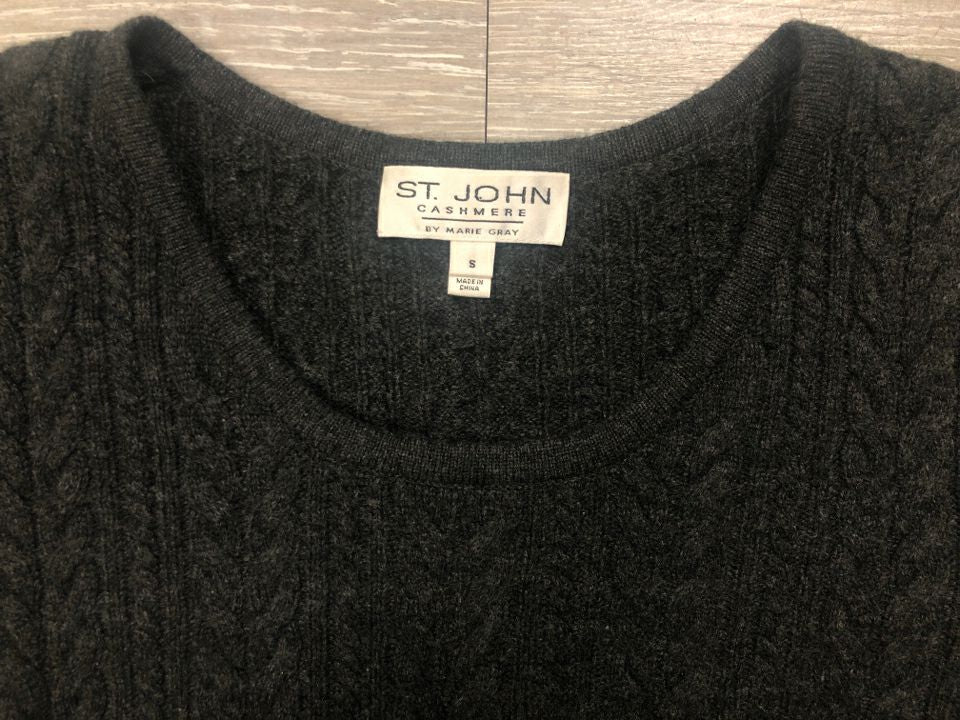 ST JOHN 100% CASHMERE SWEATER VEST W/ REMOVABLE FOX FUR COLLAR - wearhouseconsignment