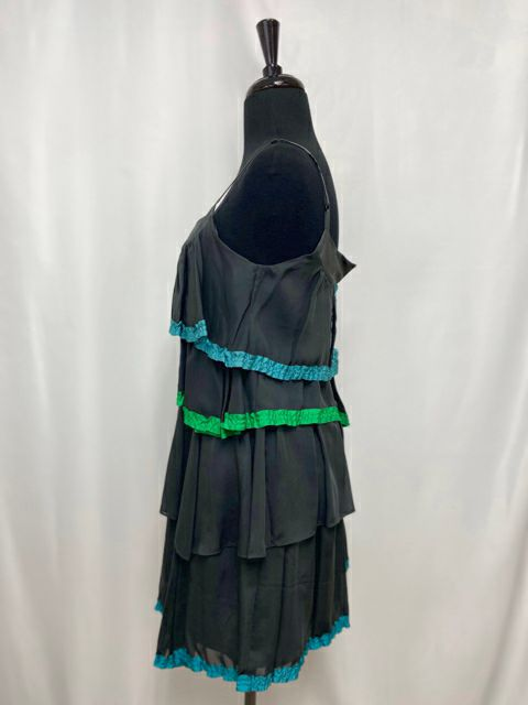 MARC JACOBS TIERED SILK DRESS SIZE 0 - wearhouseconsignment