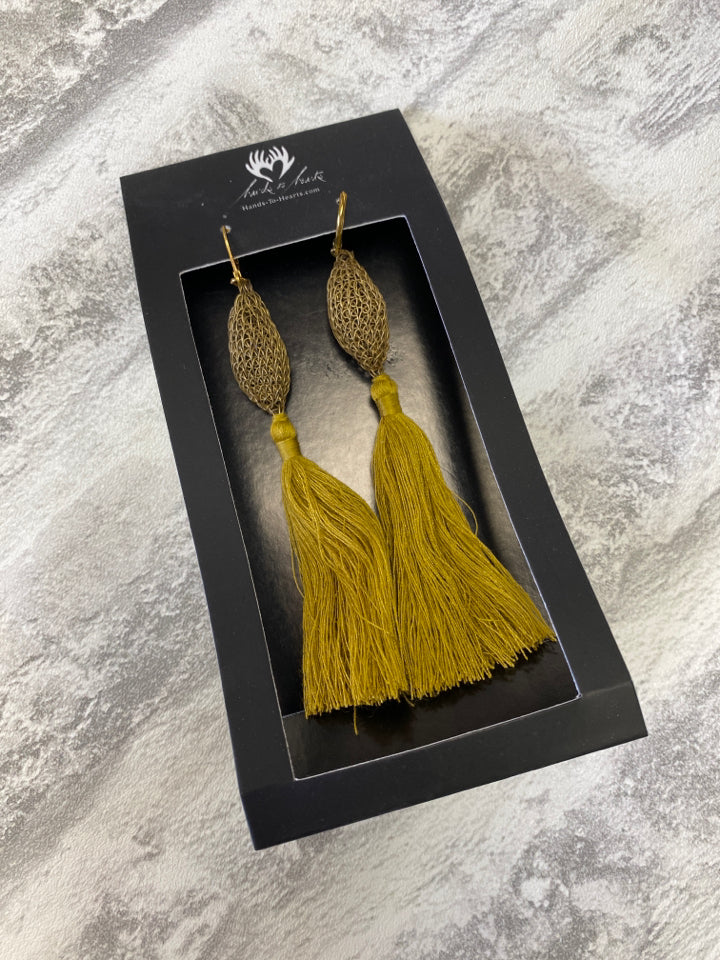 NWT HANDS TO HEARTS ARTISAN TASSLE EARRINGS