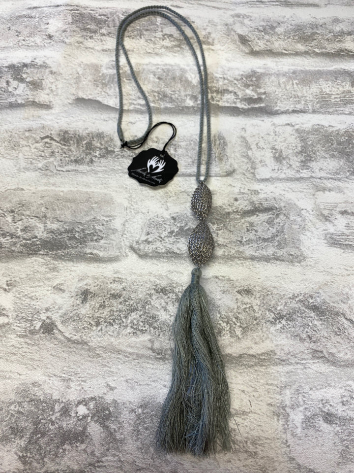 HANDS TO HEARTS ARTISAN TASSLE NECKLACE