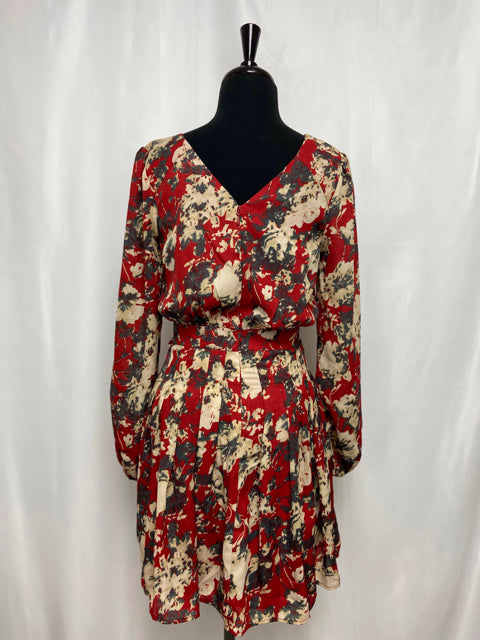 NEW! MISS ME FLOWY FLORAL DRESS SIZE SMALL - wearhouseconsignment