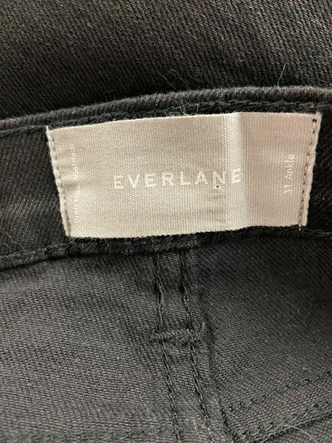 EVERLANE BLACK ANKLE JEAN SZ31