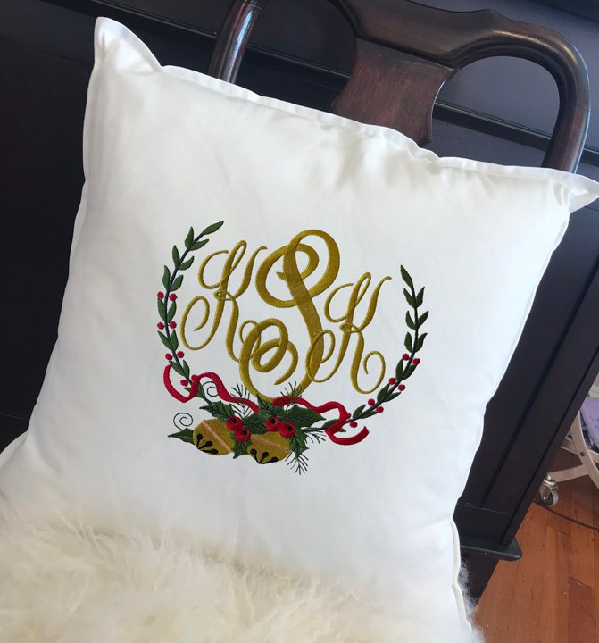 Holiday Wreath Toss Pillow