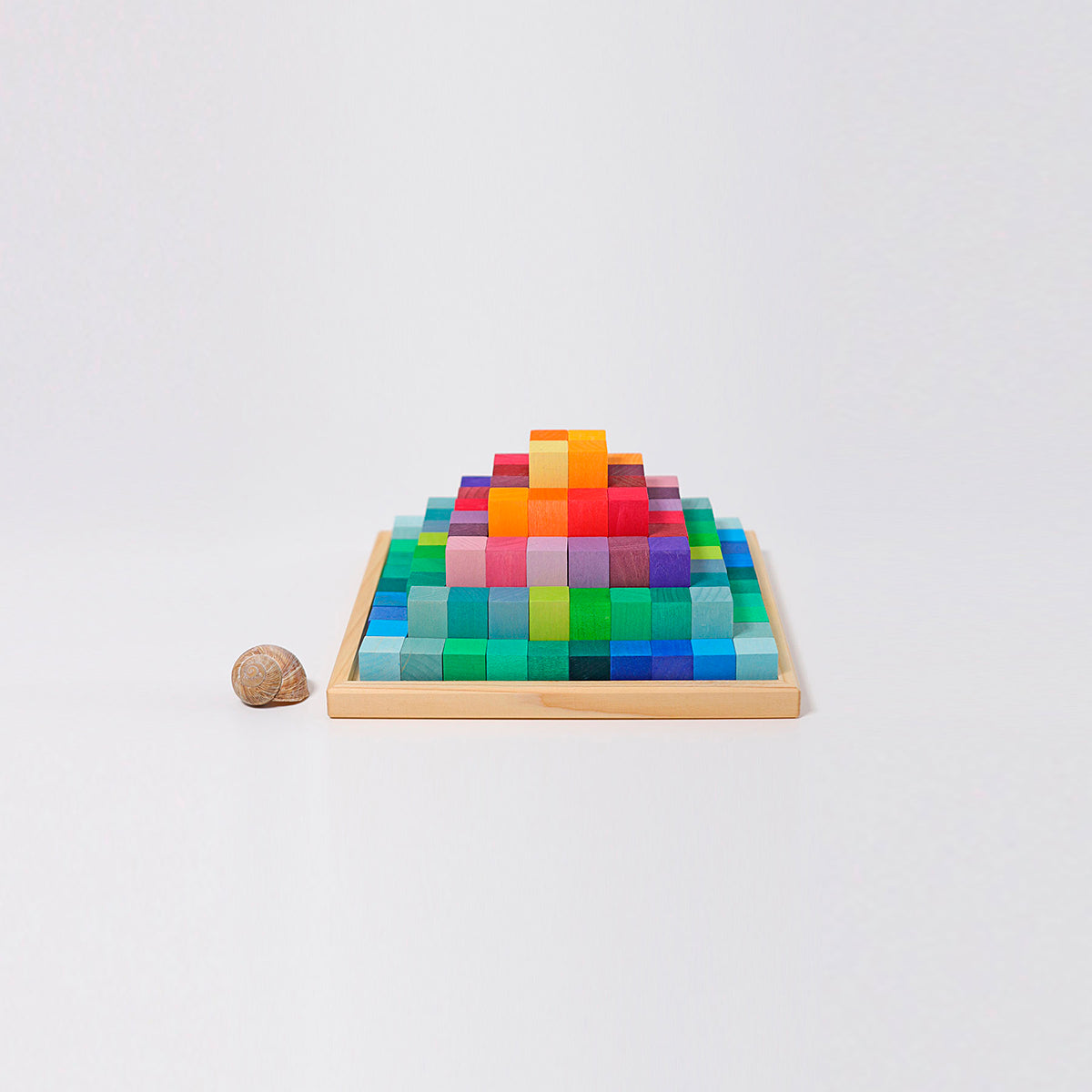 Grimm's small stepped pyramidi, rainbow