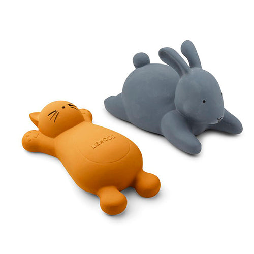 Liewood vikky kylpylelu cat & rabbit 2pack, mustard/blue