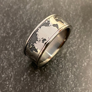 The World - Spinner Ring