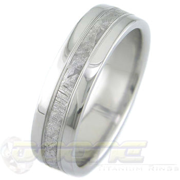 titanium ring with 2mm meteorite inlay with V-shaped grooves on each side of meteorite