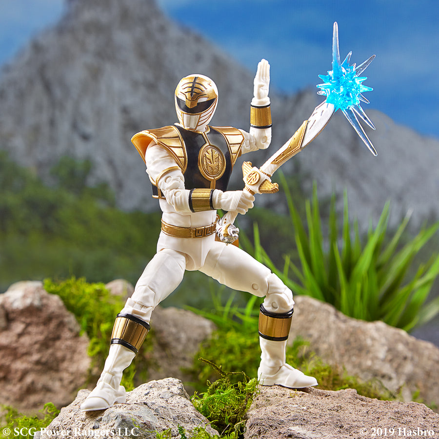Power Rangers Lightning Collection Mighty Morphin White Ranger Figure in Backdrop