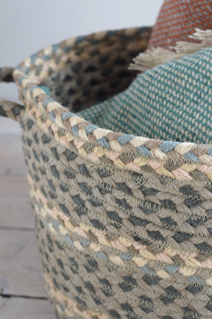 Braided utility basket: Pebble pale