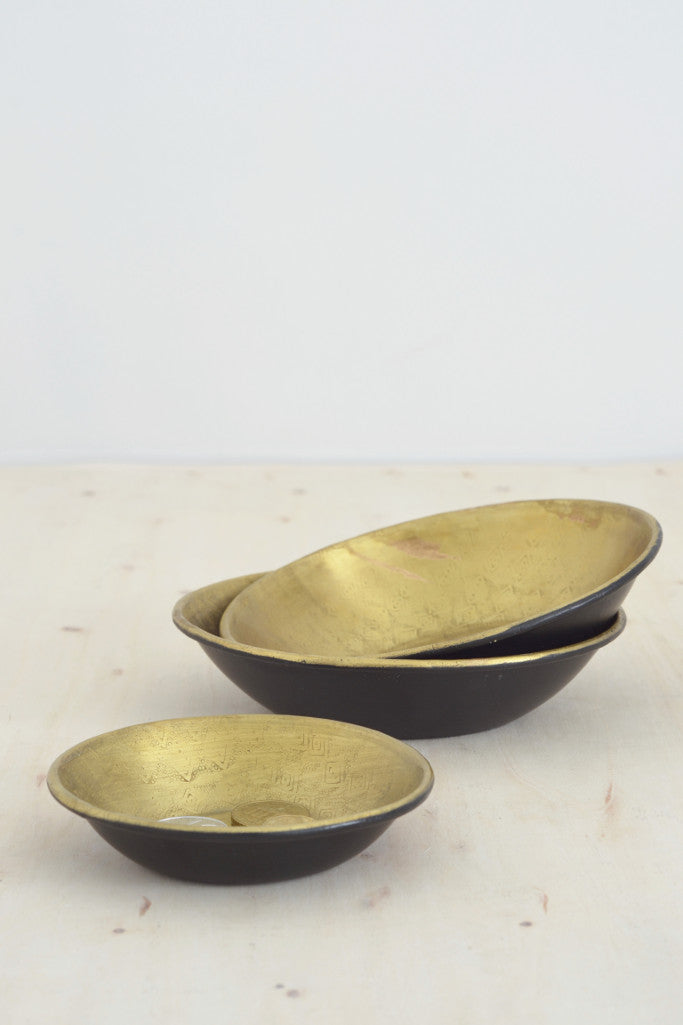 - Embossed brass and black bowl - Décor and Vases - Decorator's Notebook