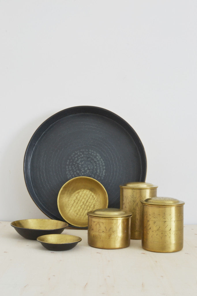 Embossed brass and black tray - Décor and Vases - Decorator's Notebook