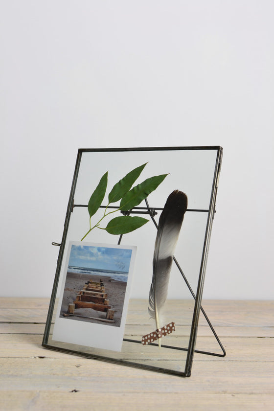 Double sided picture frame: standing - Pictures and Frames - Decorator's Notebook
