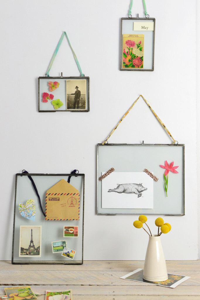 Double sided picture frame: hanging zinc