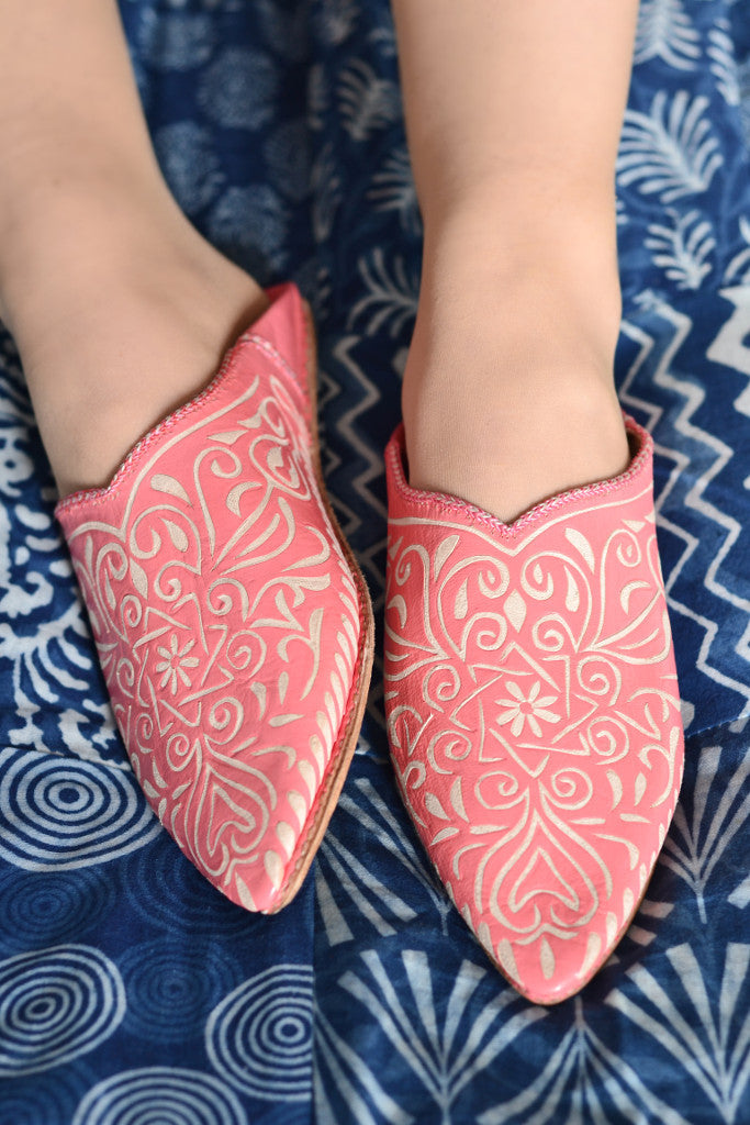 Ladies Moroccan leather slippers: Coral