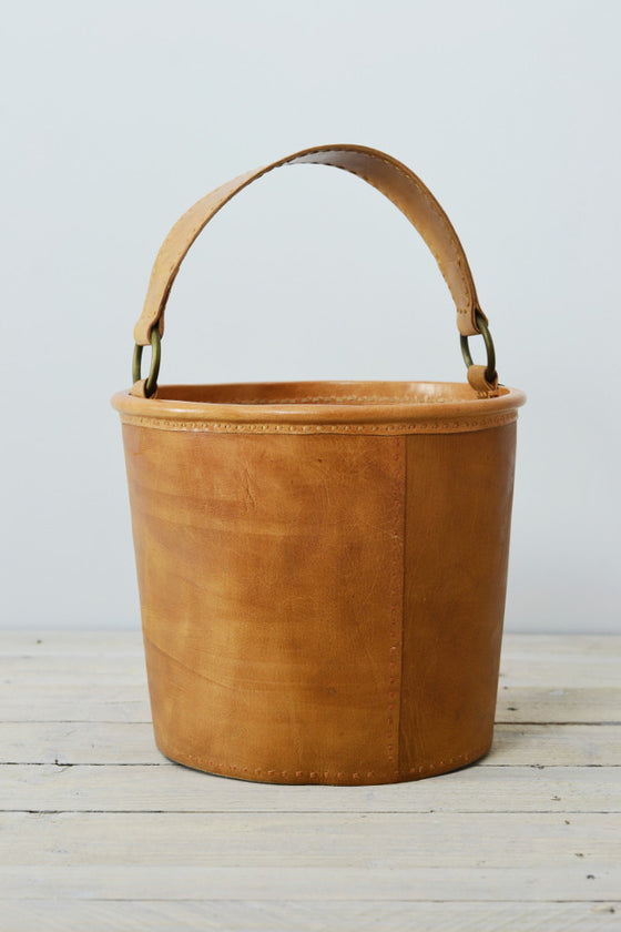 Leather kindling bucket - Baskets and Storage - Decorator's Notebook