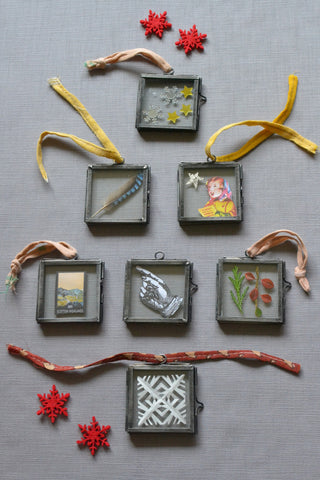 Mini glass photo frame
