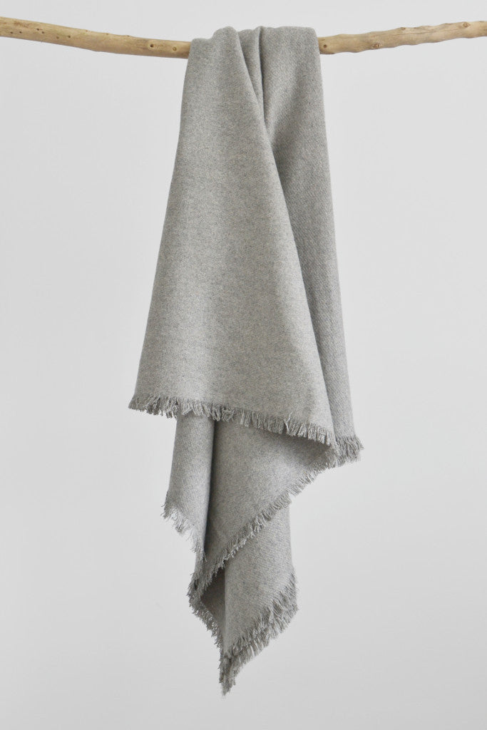Woven wool throw: Light Grey