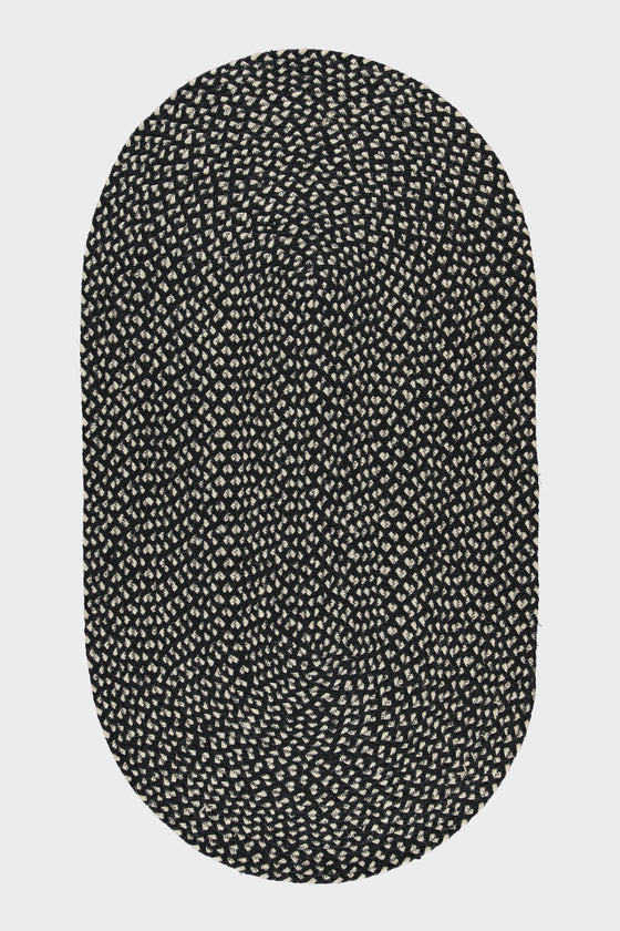 Braided jute oval rug: Black and White