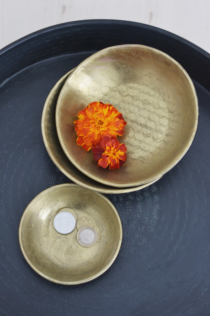 Embossed brass and black bowl - Décor and Vases - Decorator's Notebook