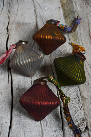 Diamond coloured glass baubles: set of four