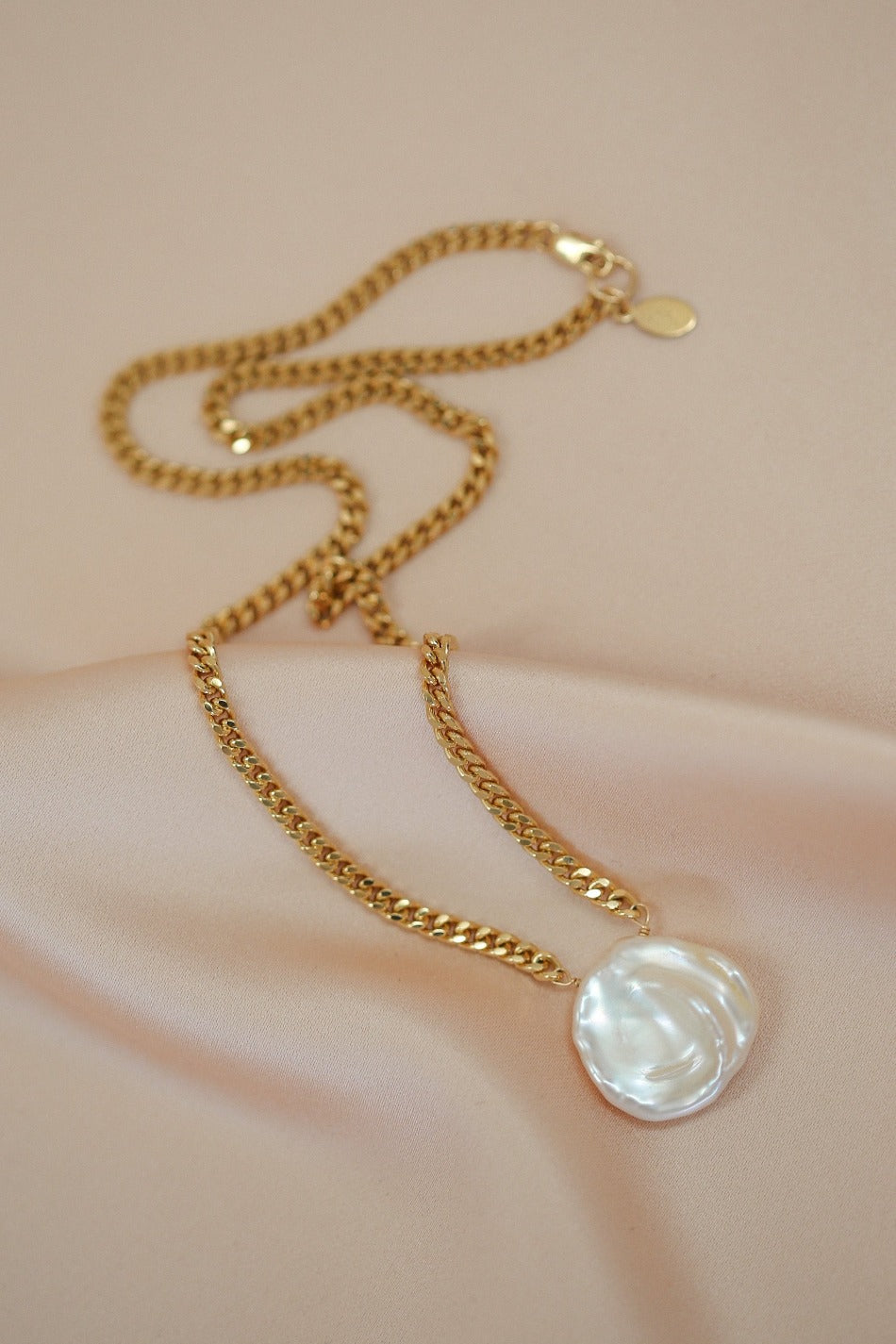 pearl x rita necklace