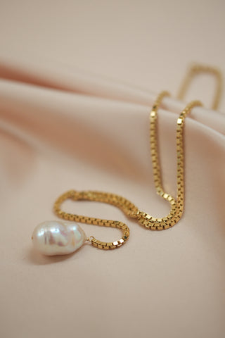 pearl trio necklace