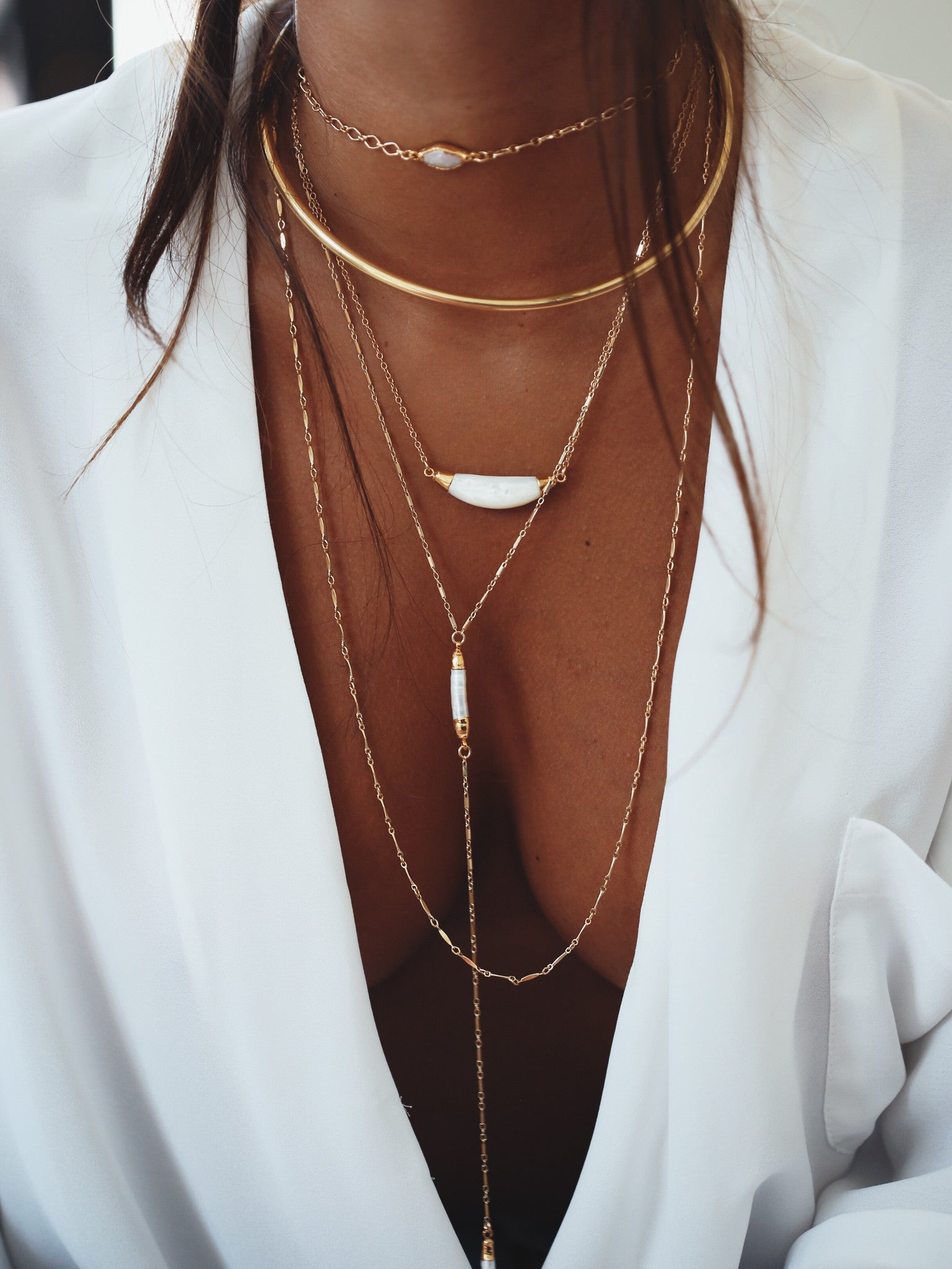 mother of pearl curve necklace