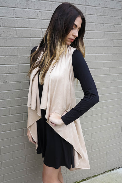 Savor The Layer Duster Vest In Taupe