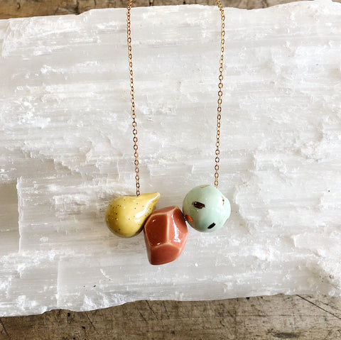 Catmamola // Ceramic 3-bead Necklace