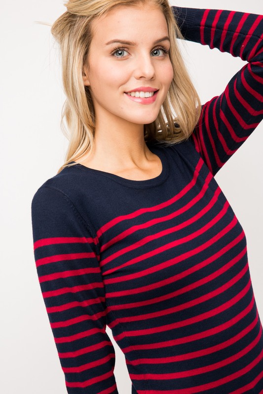 LIGHTWEIGHT STRIPED SWEATER