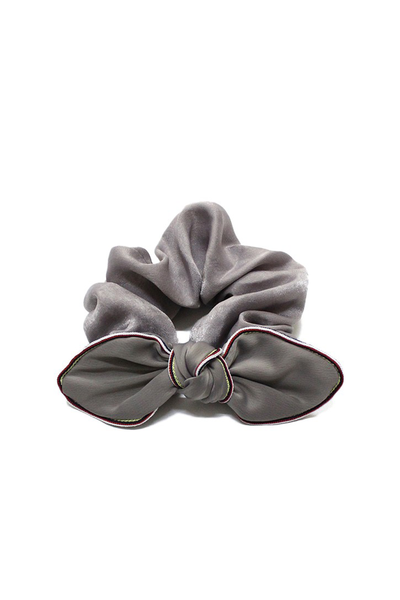 SILKY SCRUNCHIE WITH BOW GRAY