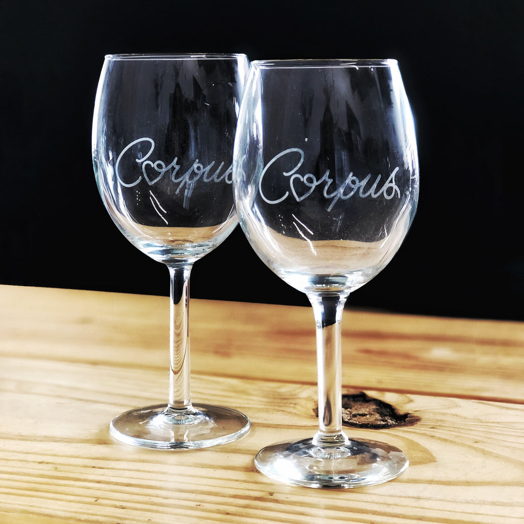 Corpus Heart Etched Wine Glass
