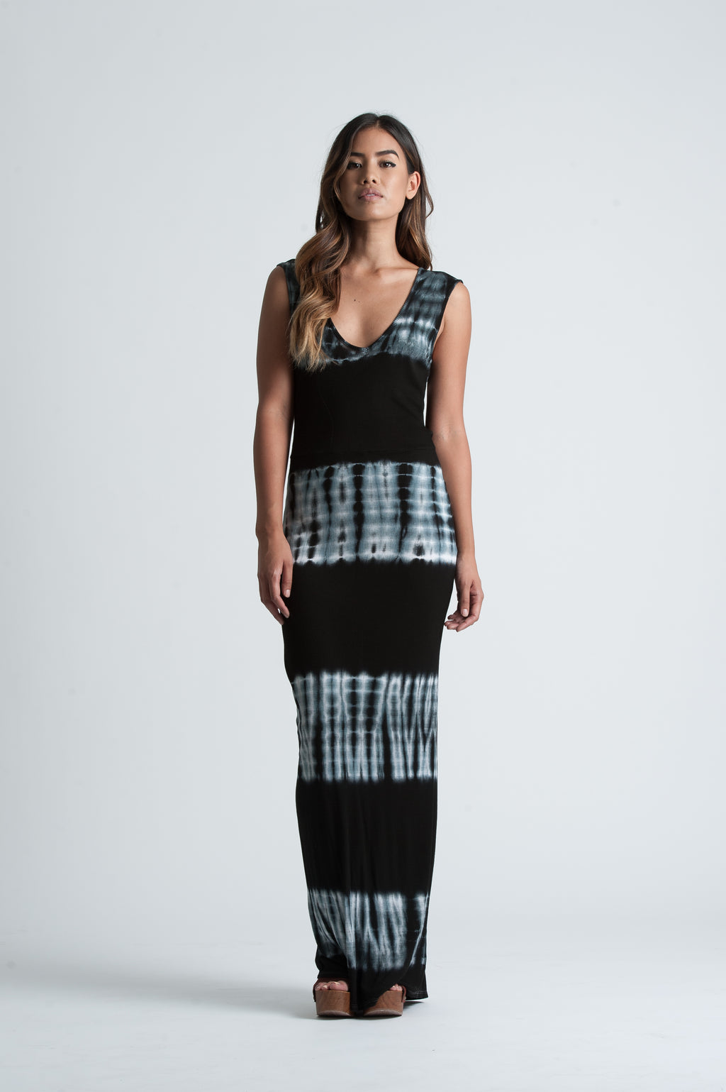 DAGNY OPEN BACK MAXI | BLACK WHITE TIE DYE