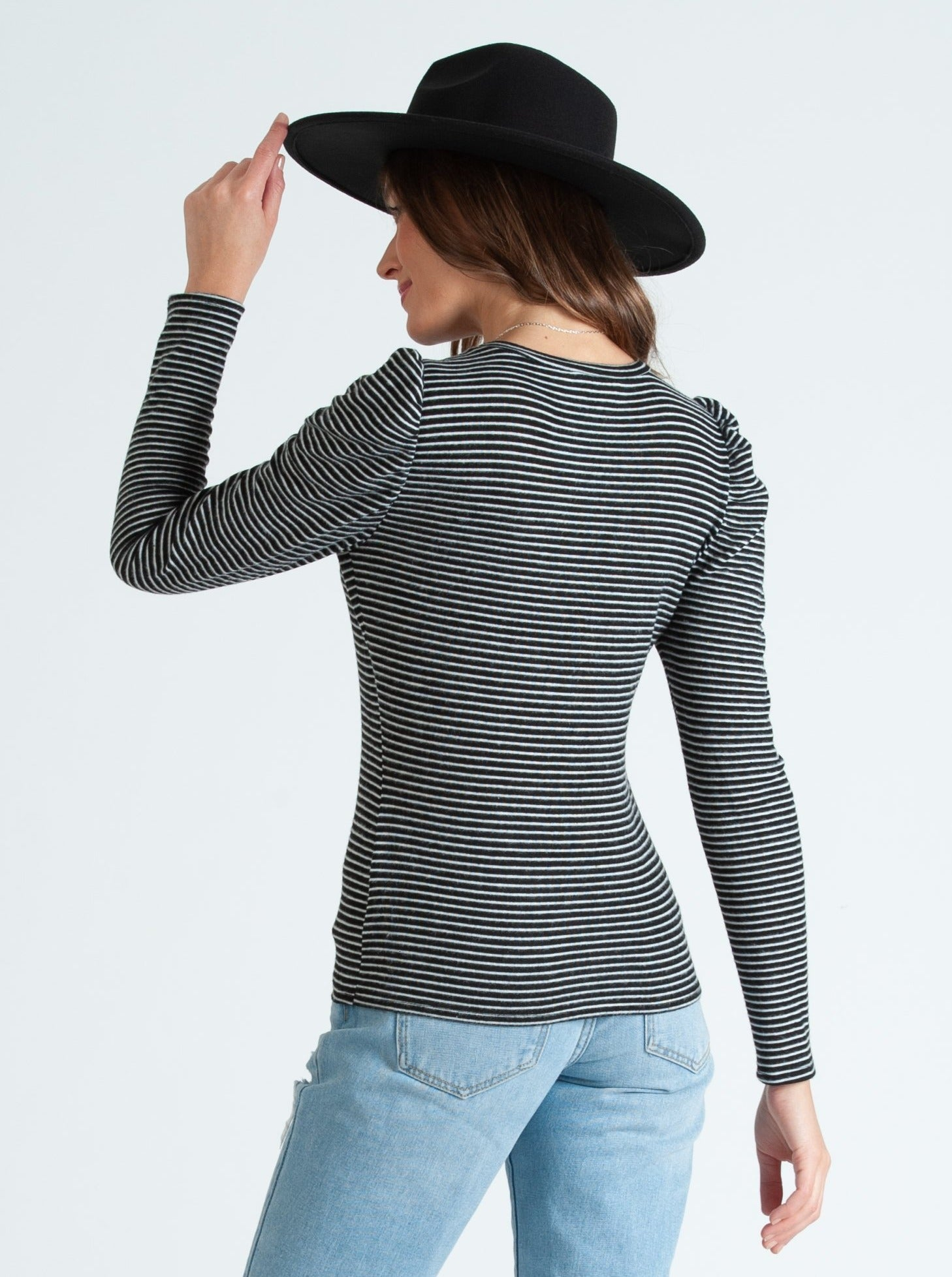 misty puff long sleeve brushed hacci stripe top black/white