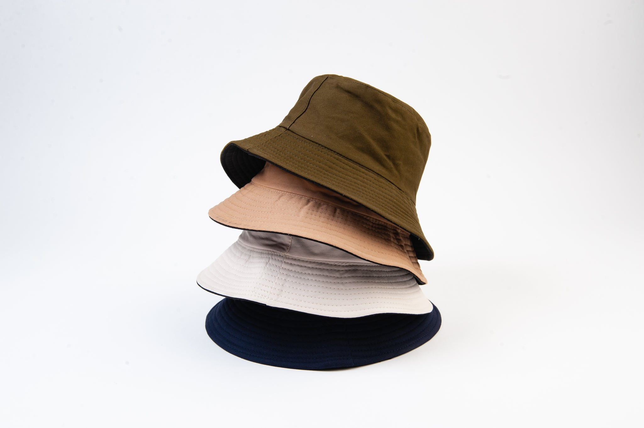 OFF WHITE REVERSIBLE BUCKET HAT