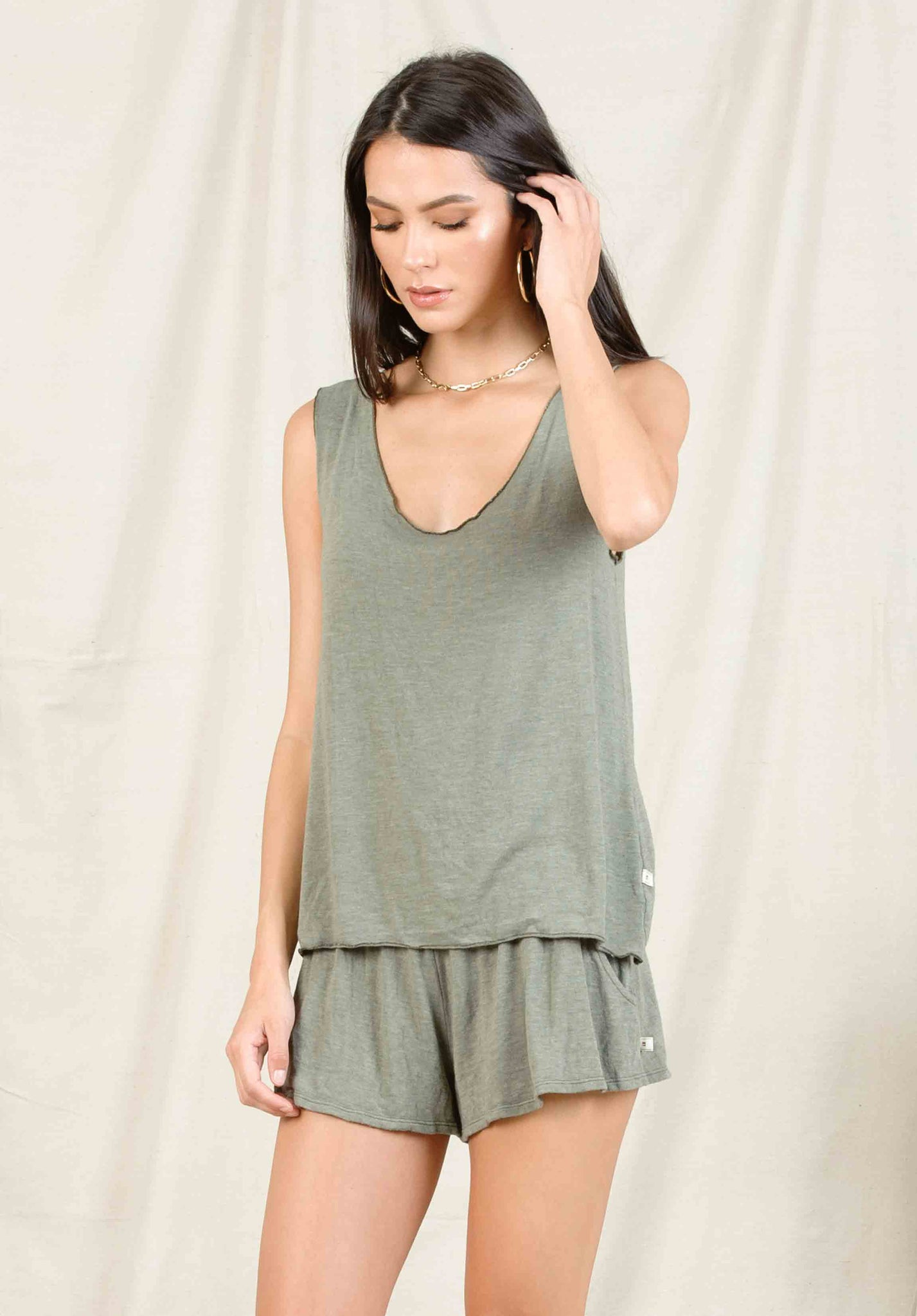 JACKLYN HACCI SCOOP TANK | OLIVE