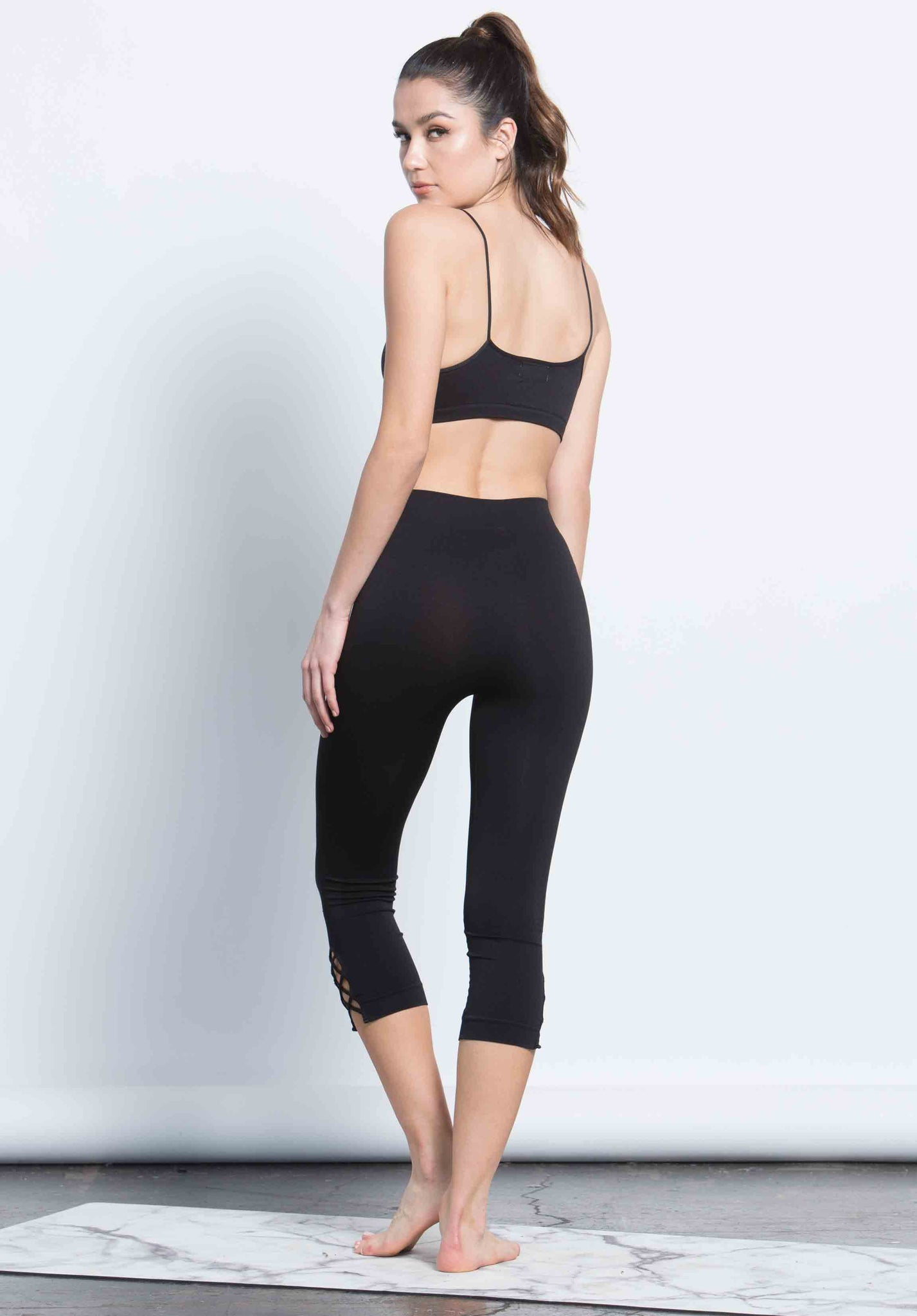 JOCELYNE CRISS CROSS CROP LEGGING | BLACK